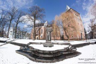 Drohobych pomnik Jurij Kotermak kosciol